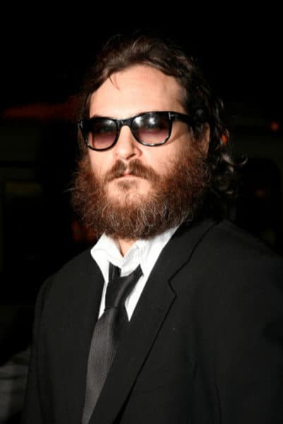 Love Joaquin Phoenix, but his beard is just Ugly