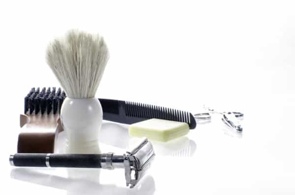 Th best shaving kits for men include an assortment of shaving products.
